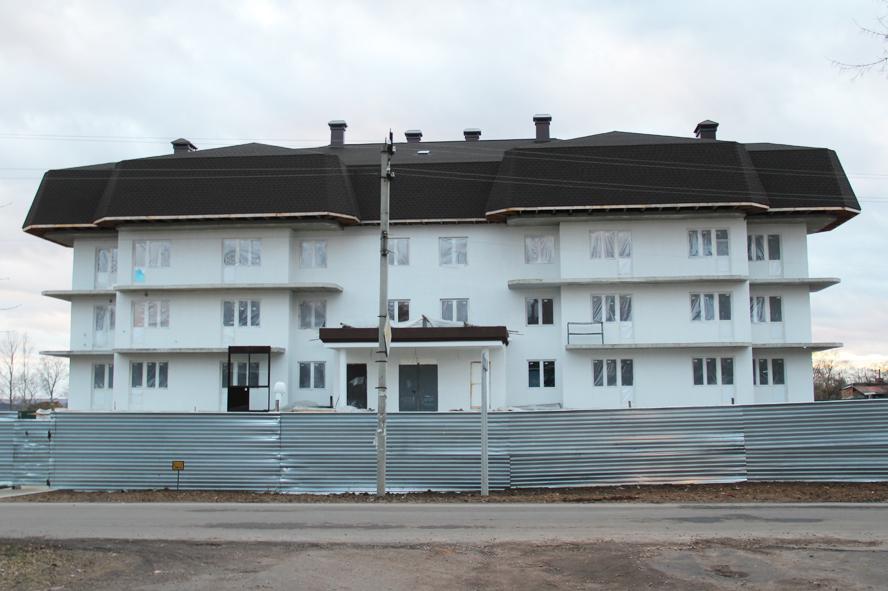 Трёхэтажный дом в п.Большевик